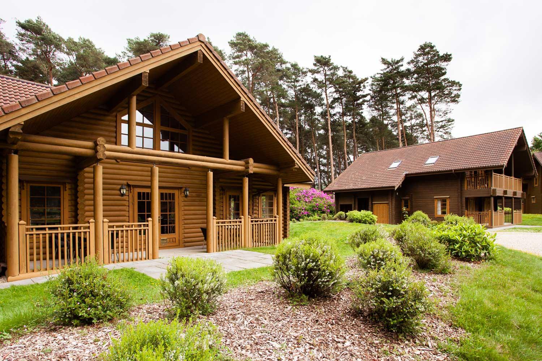 Log-Home-Village